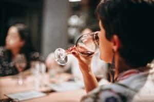 dégustation vin oenologie à Toulouse